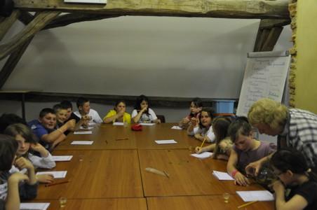 06/05/2013 - Ecole communale de Nismes - Animation PNVH cuisine sauvage