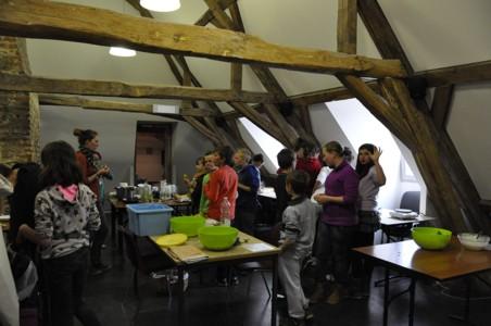 13/05/2013 - Ecole communale de Nismes 5eme et 6eme - Animation PNVH cuisine sauvage