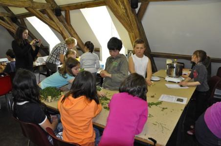 16/04/2013 - Ecole de Doische - Animation PNVH cuisine sauvage